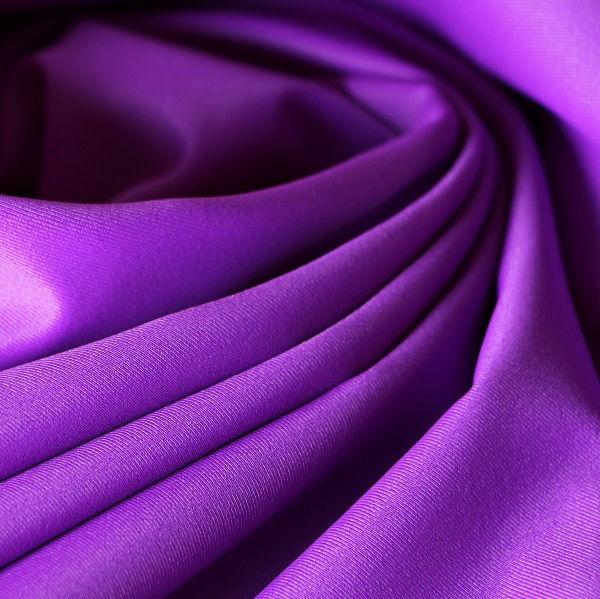Badestoff glatt glänzend in violett
